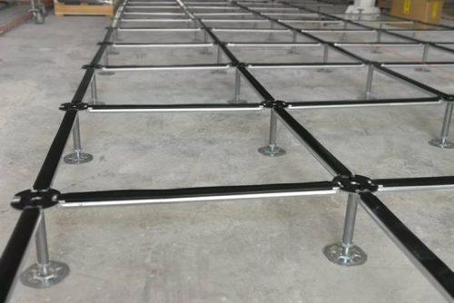 Direzionale a Bedizzole - Posa di struttura per pavimenti galleggianti