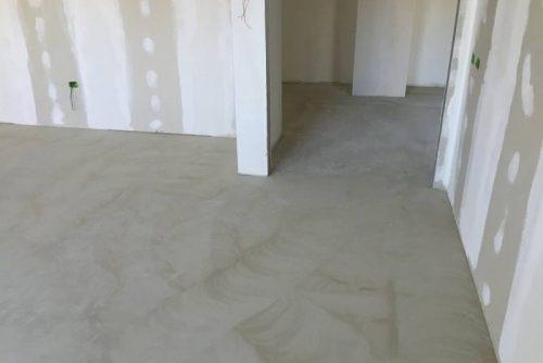 Rasatura per pavimento in PVC