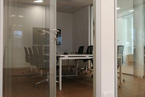 Direzionale in Bedizzole - Pareti vetrate ad alto abbattimento acustico.
